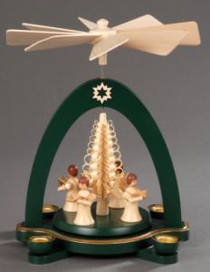 Tischpyramide grün mit 4 Engel und Spanbaum