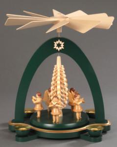 Tischpyramide grün mit 5 Engeln und Spanbaum