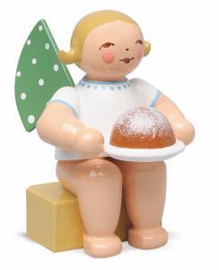 Wendt & Kühn Engel klein, mit Kuchen
