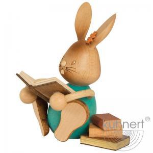 Stupsi Hase mit Büchern im Geschenkkarton