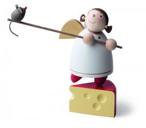 Schutzengel auf Käse balancierend